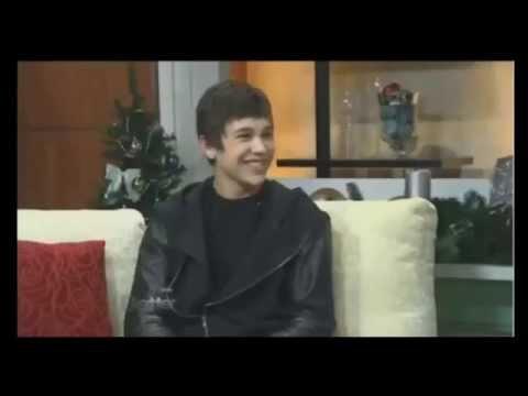 Austin Mahone's adorable laugh ♥