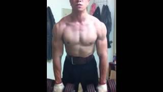 肩膀上後背肌肉訓練