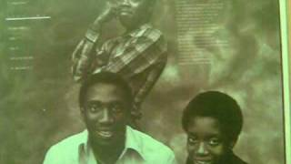 The Reddings - Come in out the rain