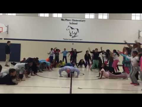 Governor Ricketts and McPhee Elementary school students accept the #GiveThem20 challenge to do 20 push ups, sit ups, or jumping jacks in honor of our veteran... https://youtu.be/Fjd0Ldzao1M