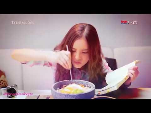 Ladki Kyun | Hum Tum | Full Hose(thai) Funny Mv | Hindi Song Thai Mix Video