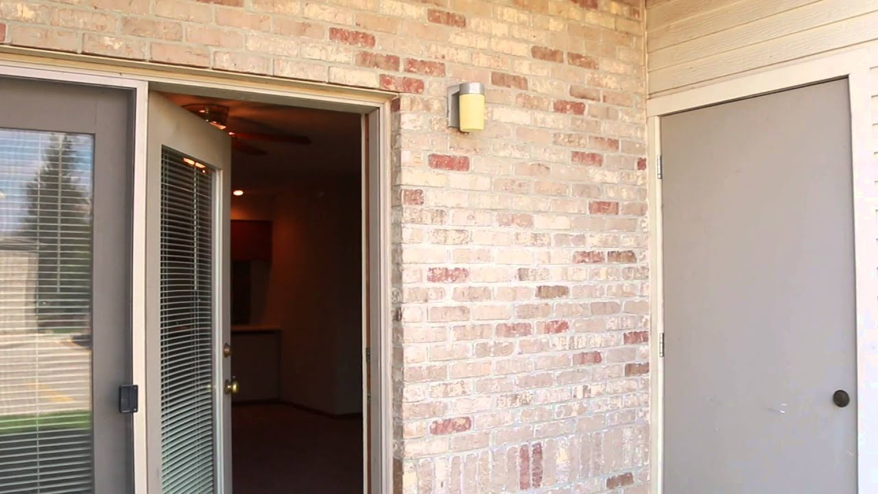 2 Bedroom 1 Bathroom Apartment At Lakeview Park In
