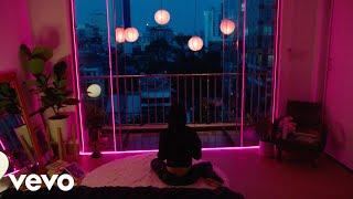 Смотреть клип Peking Duk X The Wombats - Nothing To Love About Love