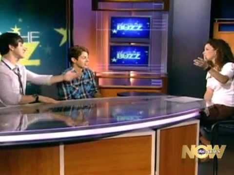 David Henrie & Jake T Austin - ABC News What's the Buzz?
