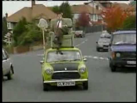 248.vn - Mr. Bean ngồi trên mui lái ôtô