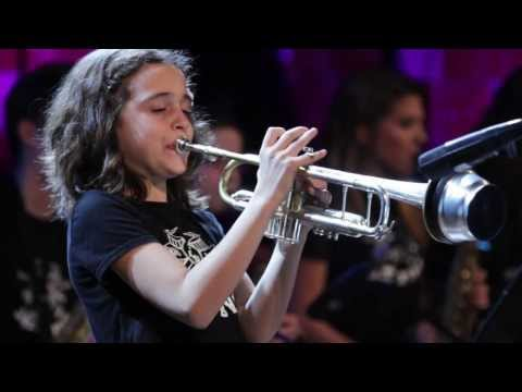 EASY MONEY SANT ANDREU JAZZ BAND & JESSE DAVIS ( JOAN CHAMORRO DIRECCION )