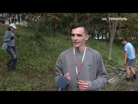 UA: Тернопіль: У Збаражі волонтери добудовують будинок багатодітної сім'ї