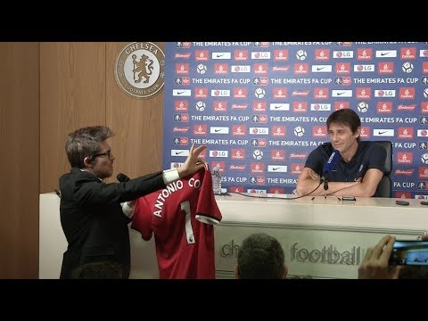 Conte ambushed with signed Jose Mourinho shirt in press conference