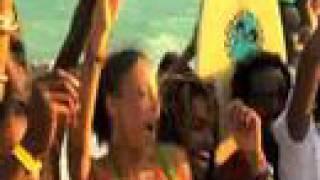 Teledysk: Shaggy - Feel The Rush [Official UEFA Music Video]