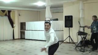 Азамат удивил гостей своим танцем