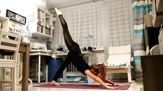Joga flow z zakłóceniami mojego kota :)/Yoga Flow with my cat disruption