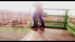 Трюки на агрессивных роликах сальто + слайды и обороты) ништяк!)
