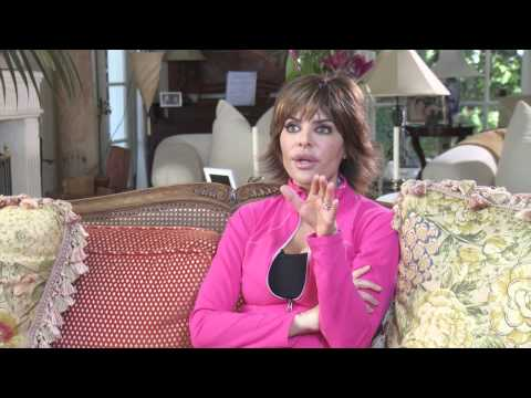 Lisa Rinna Says What She Thinks About Parents Smoking Pot - Mommalogues thumbnail