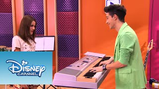 Vilu y Federico cantan ¨En mi Mundo¨ | Momento Musical | Violetta