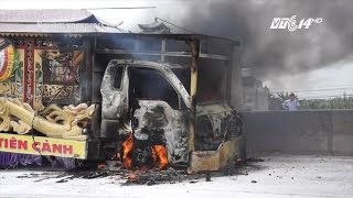 (VTC14)_Thanh Hóa: Xe tang bốc cháy khi đưa thi hài đi hỏa táng