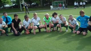 Die U17/1 des FCR 01 Duisburg feiert die westdeutsche Meisterschaft