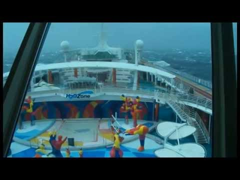 Royal Caribbean 'Independence of the Seas' in severe gale in Bay of Biscay