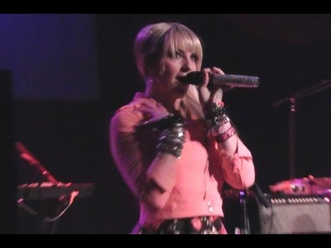 R5 - Shut Up And Let Me Go - Chicago HOB 3-30-13
