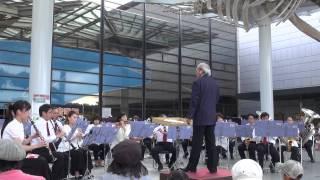 大阪市音楽団の野外コンサートで「あまちゃんのテーマ」を演奏.