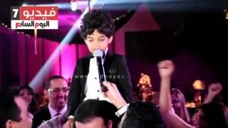 بالفيديو.. ابن هيثم شاكر يغنى فى حب الأهلى
