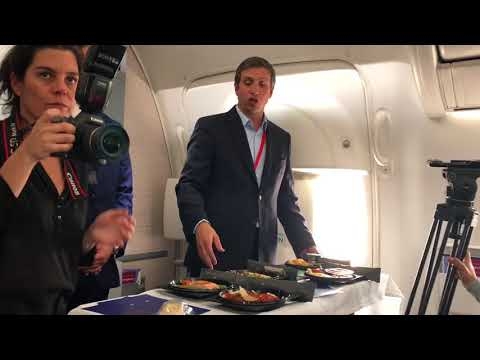 El nuevo concepto de las tres comidas en vuelos de LATAM