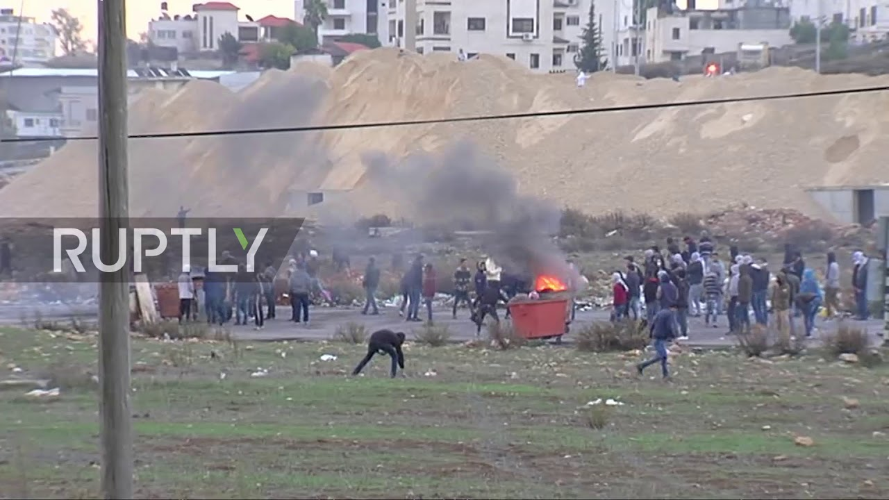State of Palestine: Palestinian protesters clash with Israeli security forces