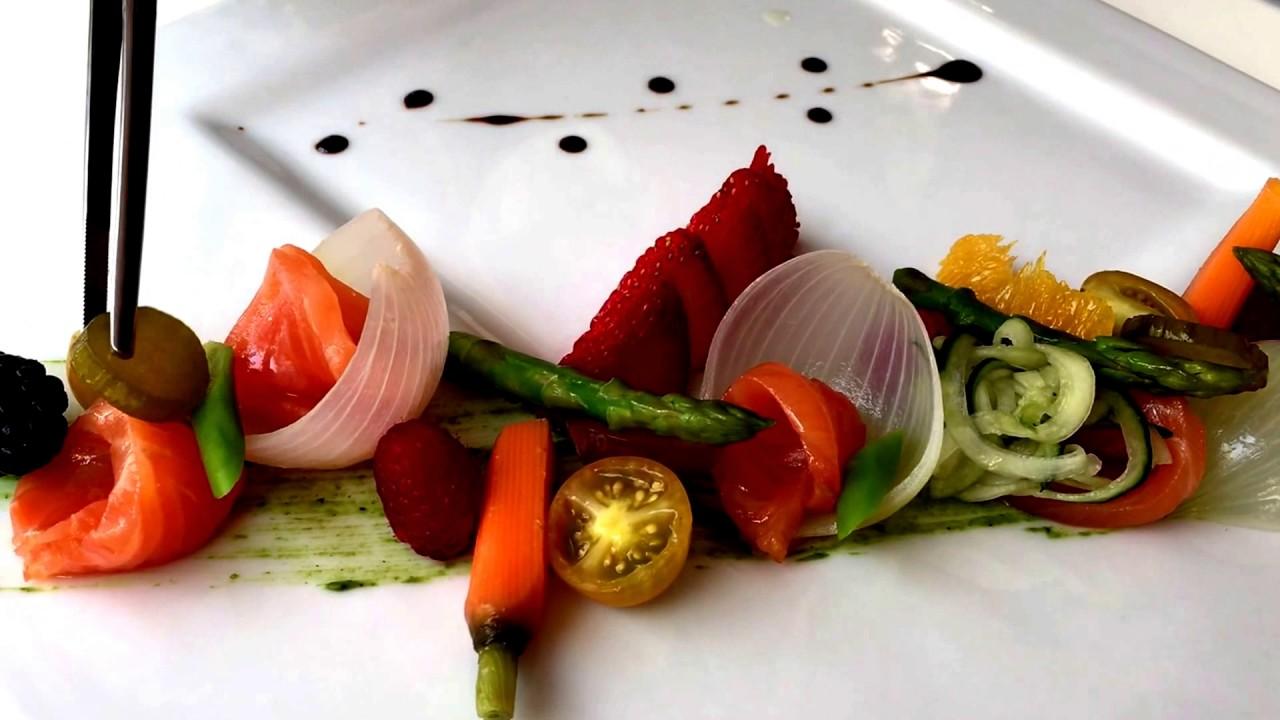 Como se hace la ensalada de salm n ahumado gin mare del restaurante puerto blanco en calpe - Restaurante puerto blanco calpe ...
