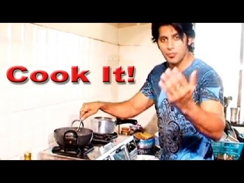 Mother's Day Special :Karanveer Bohra cooks food for his Mother