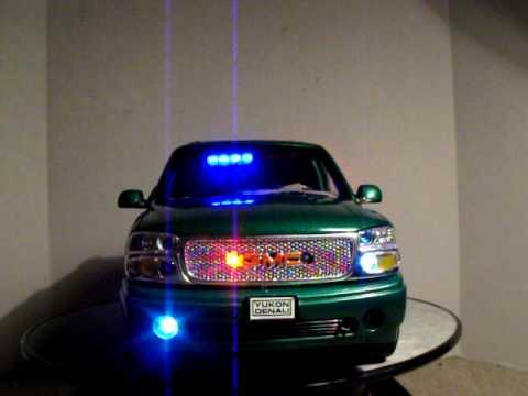 1 18 Gmc Yukon Green Undercover W Pattern Lights Suv