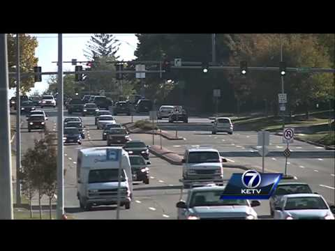Scam artists threaten Omaha woman for running red light