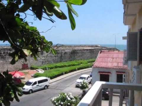 Santo Domingo building. 3-bedroom apartment for rent.