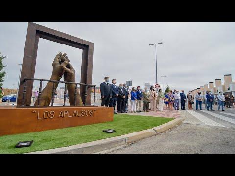"""Inauguración del conjunto escultórico """"Los Aplausos"""" en homenaje a los servicios esenciales"""