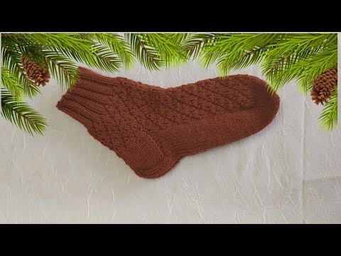 Теплые мужские носки на круговых спицах