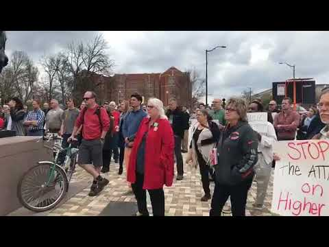 UT campus workers fight back against tenure proposal