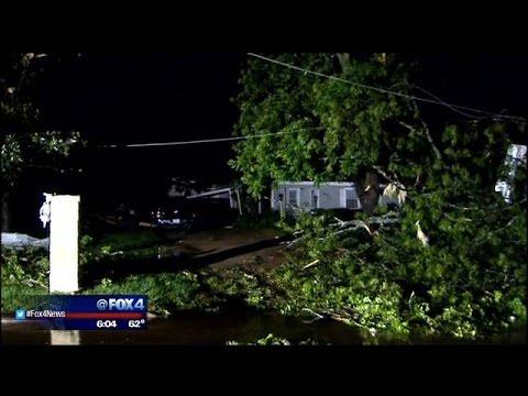 Dozens hurt by tornado in Van