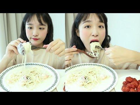 새우 크림파스타 먹방 _ 편의점 매운 닭강정과 함께 먹어요! 완전 꿀조합 대박b, 파스타 먹방 :D