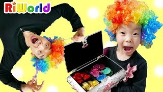 초콜릿을 먹었더니 머리색이 변했어요!! 리원이의 어린이 색깔놀이 초콜릿 먹방 색깔 장난감, Learn colors for kids. RIWORLD