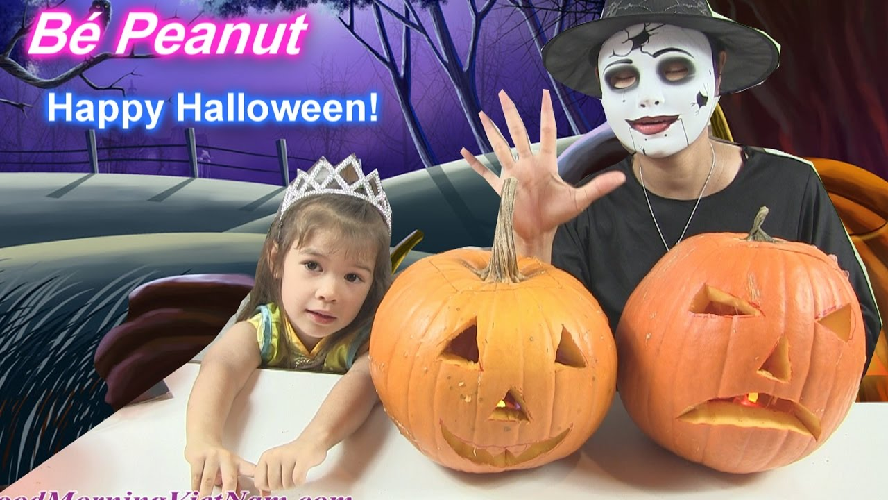 Chị Bí Đỏ Và Bé Peanut Khắc Bí Ngô Halloween! [Video Thân Thiện Cho Trẻ]