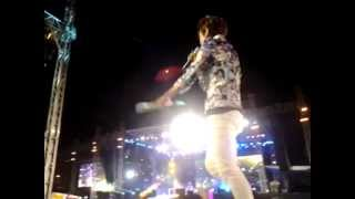 [Fancam] 130119 EXO fanservice -- Hawak-Kamay (I'm By Your Side) @ DKFC Philippines