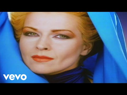 Смотреть клип Toyah - Soul Passing Through Soul