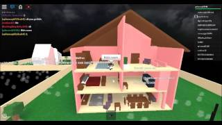 DOLLHOUSE RP REVIEW-ROBLOX!!!