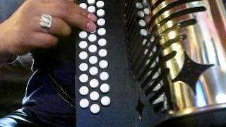 los cadetes de linares dos coronas a mi madre tutorial facil acordeon principiante sol