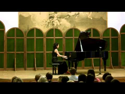 Weber: Piano Sonata No. 1 in C major - Lisa Yui, Pianist