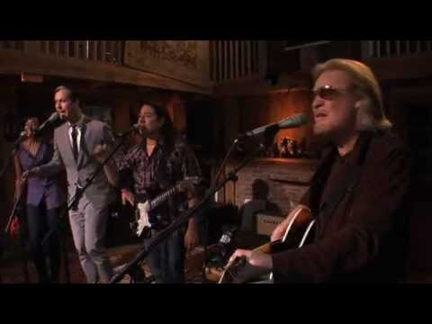 Fitz and The Tantrums & Daryl Hall: Girl I Love You (10 of 15)