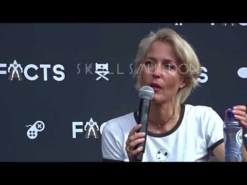 Facts Con  Gillian Anderson Panel Sunday