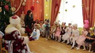 Новый год в детском саду(http://vk.com/foxmade Ёлка в детском саду декабрь 2012 камера, монтаж: Надежда Крылова http://vk.com/fox.made., 2013-01-06T09:53:05.000Z)