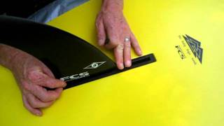How to attach the fin to your Stand Up Paddleboard (SUP)