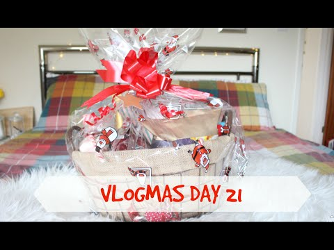 Christmas Hamper Gift Idea | VLOGMAS DAY 21