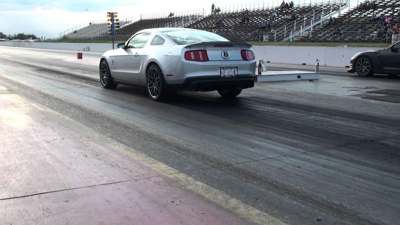 Shelby GT500 vs Nissan GTR