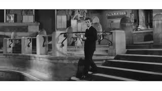 Dolce Vita Сладкая жизнь. Фильм Феллини. Сцена купания в бассейне в фонтане Треви. Анита Экберг 1960